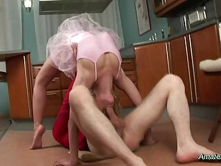 Amateur flexible gets fucked