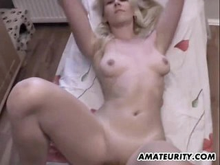 Amateur creamed girlfriend sucks and fucks with facial
